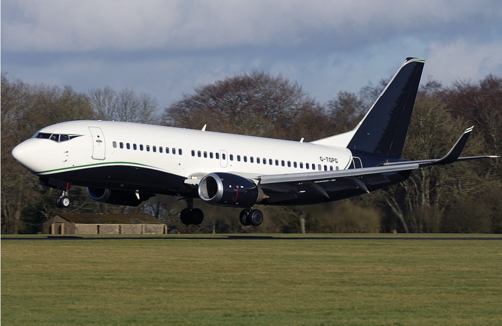 Private Jet Charter | Boeing 737-300 VIP (G-SWRD) | Victor